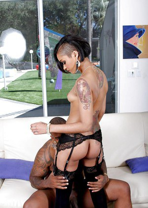 Witty middle-aged babe Skin Diamond tastes nutritious cum of her BF