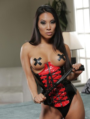 Lascivious Asian woman Asa Akira has only hardcore sex on her mind