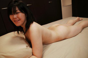 Engaging Asian queen showing her juicy butts and cock hardening pussy