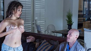 Daisy Haze wearing shorts teases a guy making him want to have sex
