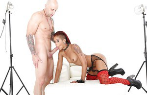Insatiable ebony Skin Diamond fills her hungry cunt with a big prick