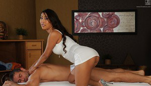 Big boobed Asian Sharon Lee gets cooter licked in high heels
