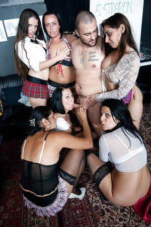 Lesbos Romana, LArissa Gold, Candy Fox, Barbie Buster, Lolita and Rosi