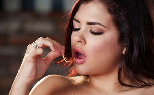 Latina pornstar Keisha Grey spreading for close up cunt shots