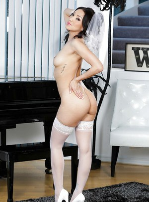Sexy Asian bride Vicki Chase strips naked from wedding dress