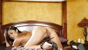 Asian MILF Kaylani Lei strips naked to show hot little body in nude