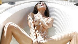 Gorgeous Asian housewife Kaylani Lei spreads shaved cunt bathtub