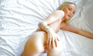 Teen babe Sammie Daniels posing nude after removing bra and underwear