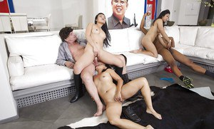 Asian prostitutes Chanel Preston, Lucky Starr and Cindy Starfall suck BBC