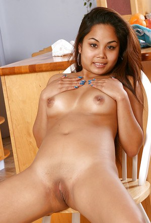 Amateur Latina Mimi exposing perfect young girl boobs and fingering pussy
