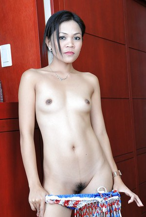 Amateur Thai bar girl Jhenny flaunting big booty for such a small girl