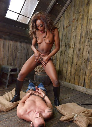 Black domme Maria Ryder face sitting submissive male while sucking his dick