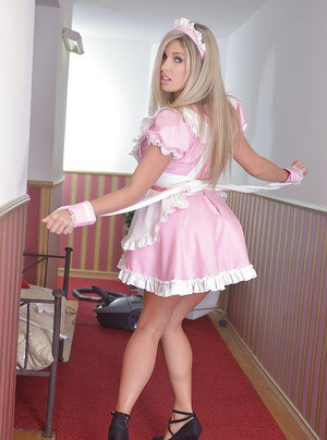 Gorgeous blonde maid Eva Parcker inserts dusting instrument into bald twat