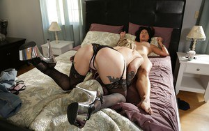 Wicked interracial lesbian sex with close up pussy licking action