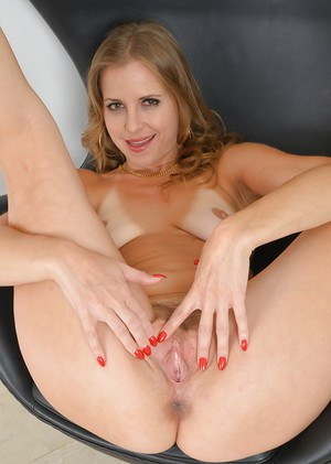 Over 30 MILF Miss Melrose flashing tits and panties in high heels