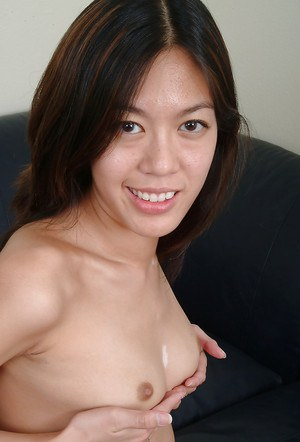 Petite Asian amateur Starlingz pulling labia lips wide open