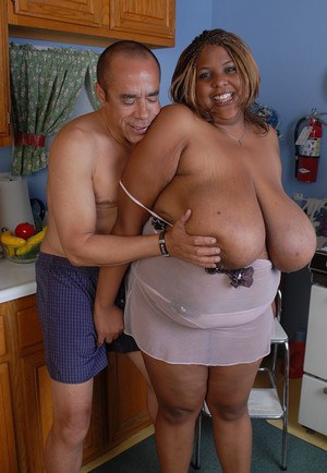 Obese black woman Minxx having huge saggy breasts fondled and jizzed on