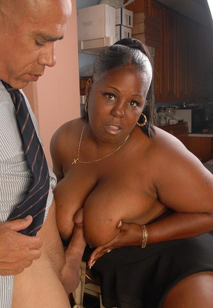 SSBBBW Subrina having her black cunt ate out before cumshot on face