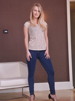 Fully clothed blonde abbe Tery undressing for spreading of shaved cooter