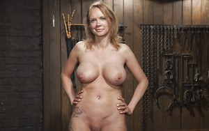 Busty MILF Rain DeGrey screams in pain while having nipples tortured