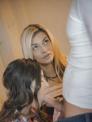 Stepmom teaching stepdaughter how to give bj with Iwia and Klarisa Leone