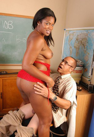Black MILF fatty Annabelle giving teacher blowjob in classroom