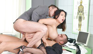 Chesty Asian MILF Tigerr Benson taking hardcore double penetration