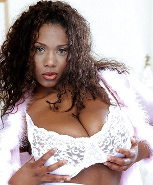 Black mom Sammie Black playing with huge boobs and nipples before spreading