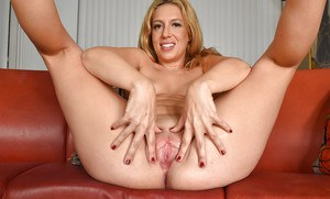 Mature lady Stevie Lix flaunts big butt and shaved vagina after camel toe