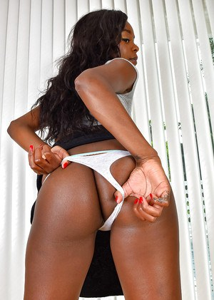 Ebony dime with phat ass unleashing tiny MILF tits and puffy nipples