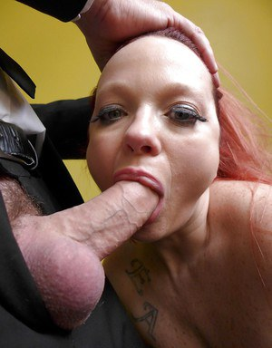 Amateur redheaded fatty Summer Angel Lee taking rough face fucking on knees