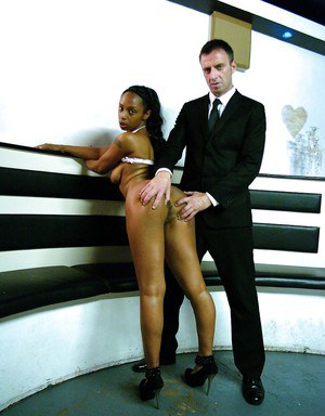 Leggy Afrikan amateur Lola-Marie baring bit tits and booty while undressing