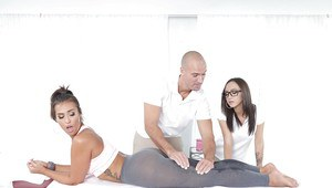 Pornstars Kelsi Monroe and Lily Jordan give and receive massage before sex
