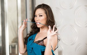 Stocking attired Asian babe Kalina Ryu stripping down to lingerie in office