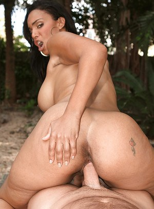 Chubby ebony Soleil Hughes giving titjob after hardcore outdoor banging