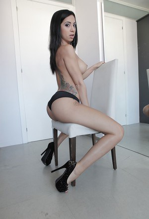 Leggy brunette babe Julia de Lucia flaunting thong clad ass in high heels