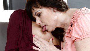 Older white woman seduces young black girl for first time lesbian sex