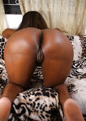 Black MILF Chiya removing shorts for wide open display of pink vagina