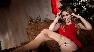 Naughty girlfriend Mia Malkova displays wide open cunt as Christmas present
