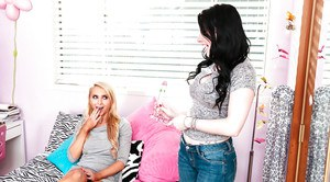 Teen girls Alix Lynx and Aria Alexander kiss before licking out bald cunts