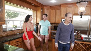 MILF Reagan Foxx bangs a younger man to her cuckold hubby's chagrin