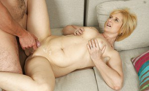 Short-haire mature Jennyfer starves for hard dick of her young handsome lover