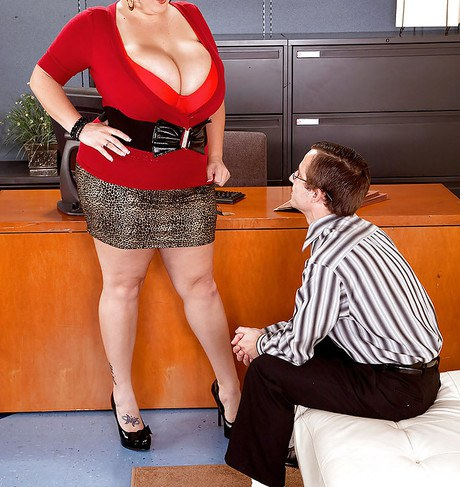 Licentious phat Charlie Cooper engrosses her workmate for torrid office fucking