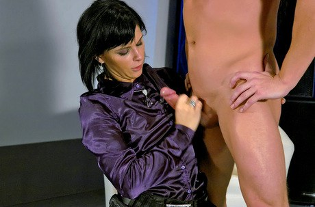 Lustful fetish young-lady owns some hard-core Cfnm happiness with a sightlessly bloke