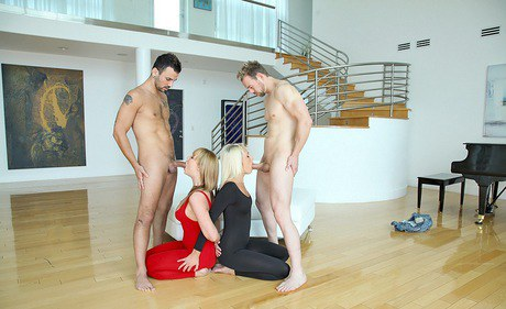 Semen starving Maya Hills is into Cfnm quartet with her friends
