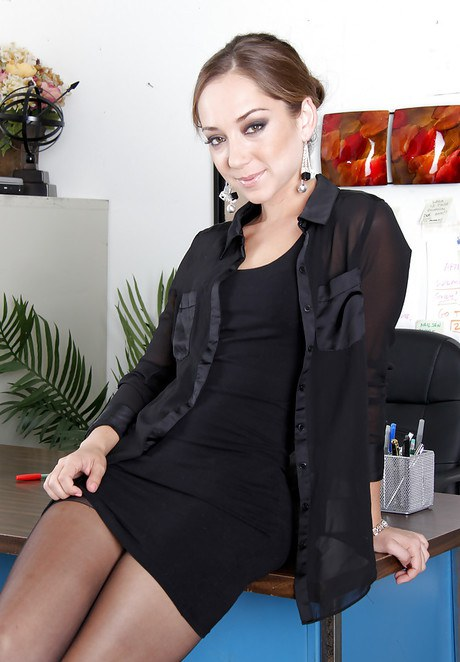 sexy business lady is getting banged in the office  272560