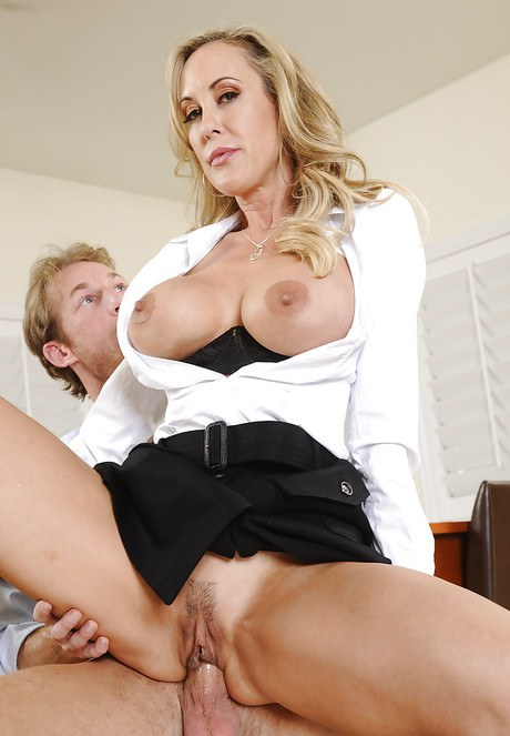 Brandi Love wishes to claps with her worker right at mission