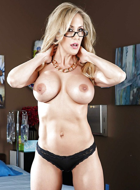 Super sultry doc in enamoring eyewear Brandi Adore is teasing her patient