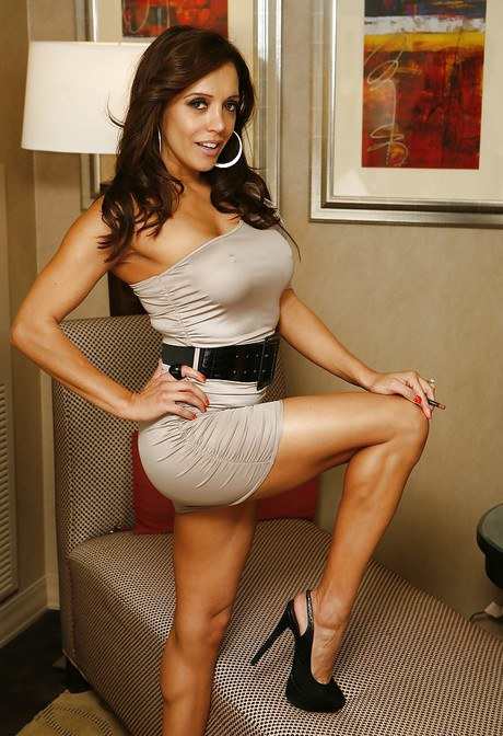 Brunette female Veronica Avluv removes her bra and panties on top of her bed № 1518110  скачать