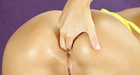 With the promote of a intercourse toy Melena bashed both of her abysses at once